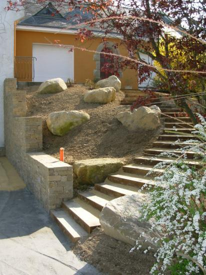 muret pierre sèche en gneiss et rocaille